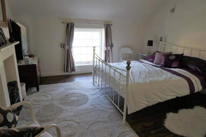 Bedroom 2.4