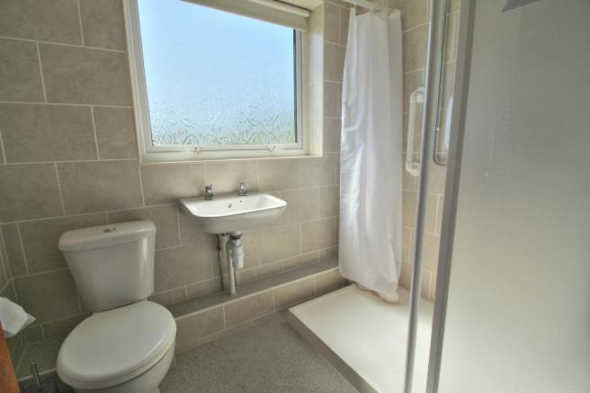 Normanby - Shower room