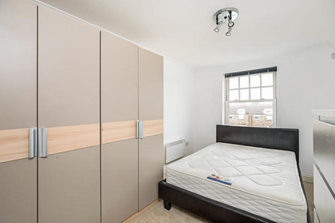 ClaphamParkRoad_002