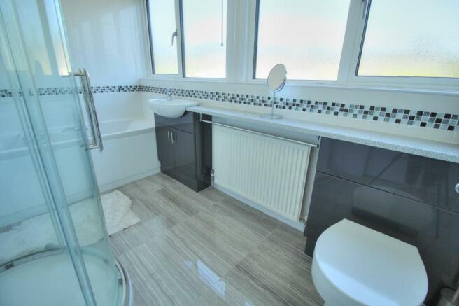 Moorland - family bathroom