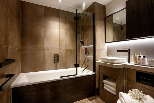 London Keybridge Lofts Bathroom Additional
