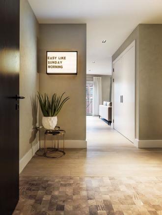 London Keybridge Lofts Entrance