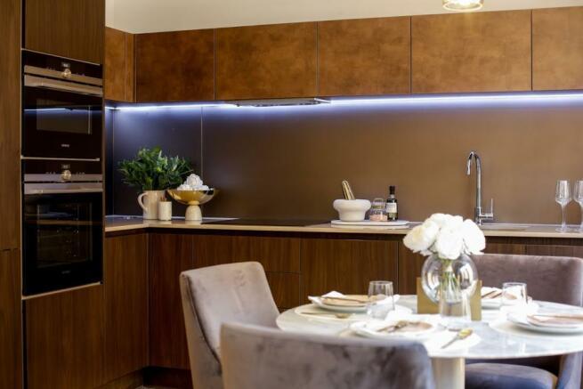 London Keybridge Lofts Kitchen