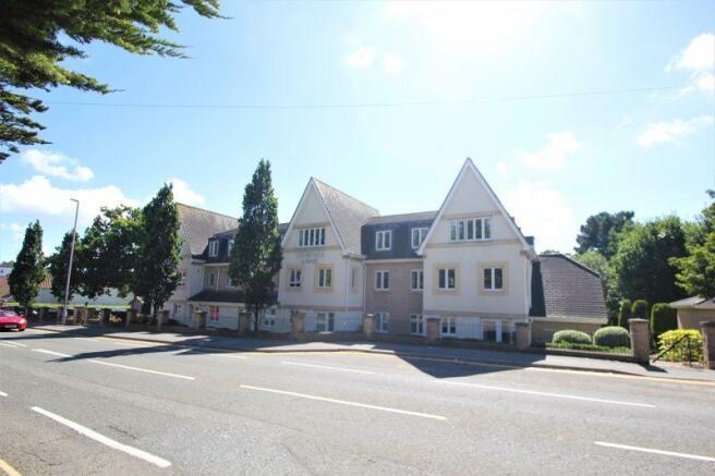 Churchill Lodge