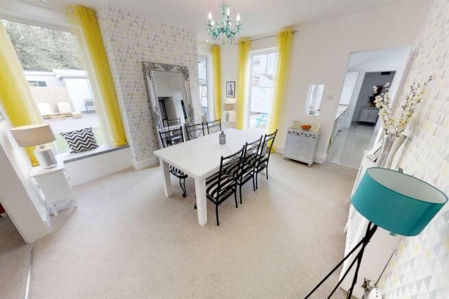 3-Dean-Cottages-Dining-Room(2).jpg