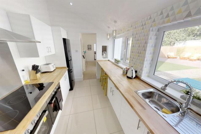 3-Dean-Cottages-Kitchen.jpg