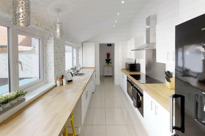 3-Dean-Cottages-Kitchen(2).jpg