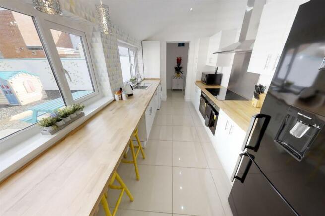 3-Dean-Cottages-Kitchen(1).jpg