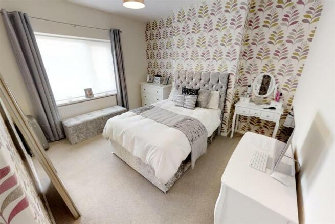 3-Dean-Cottages-Master-Bedroom(1).jpg
