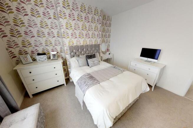 3-Dean-Cottages-Master-Bedroom.jpg