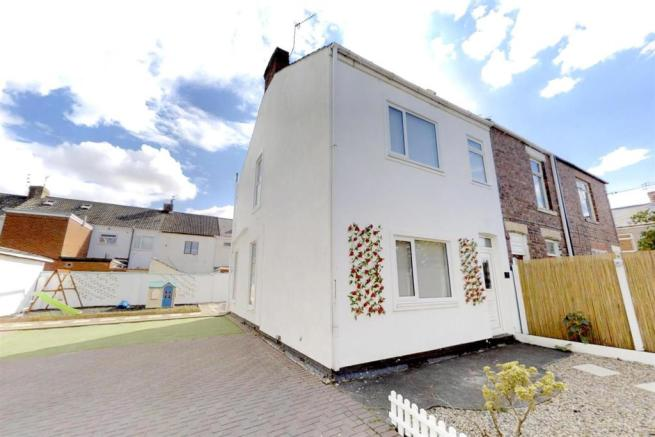 3-Dean-Cottages-Front-Exterior.jpg