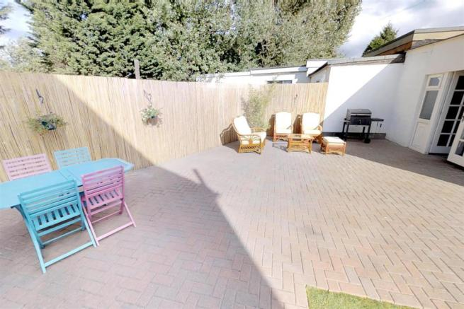 3-Dean-Cottages-Garden(1).jpg