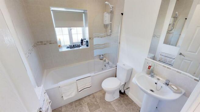 BuRyeoH4CoJ - Bathroom.jpg