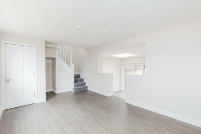 876. Living Room.JPG
