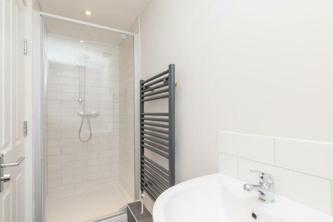 876. Shower Room b.JPG
