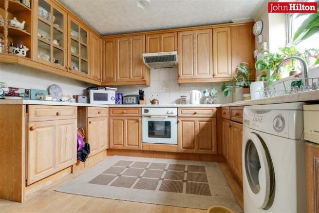 892. Kitchen.jpg