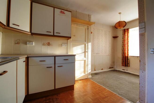 911. Kitchen-Diner.jpg