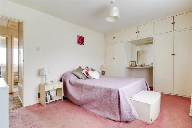 923. Bedroom 1 (3).jpg