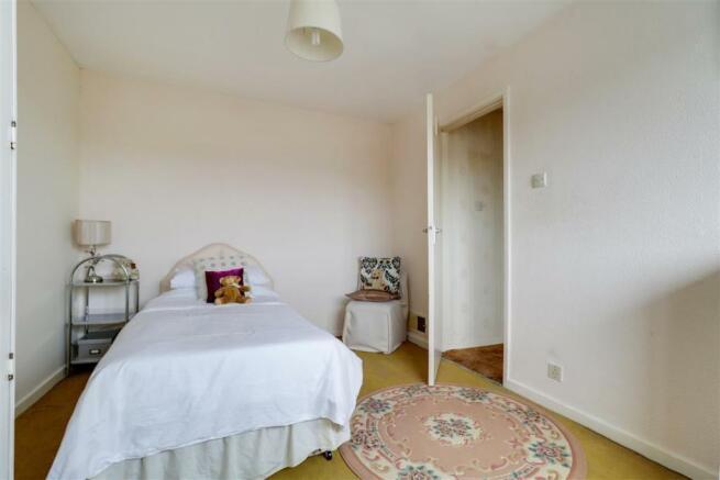 923. Bedroom 2.jpg