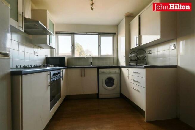 946. Kitchen- Diner.jpg