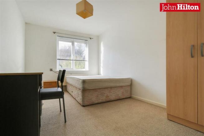 946. Bedroom 2 (3).jpg