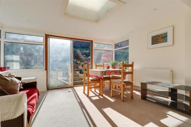 947. Living Room (2).jpg