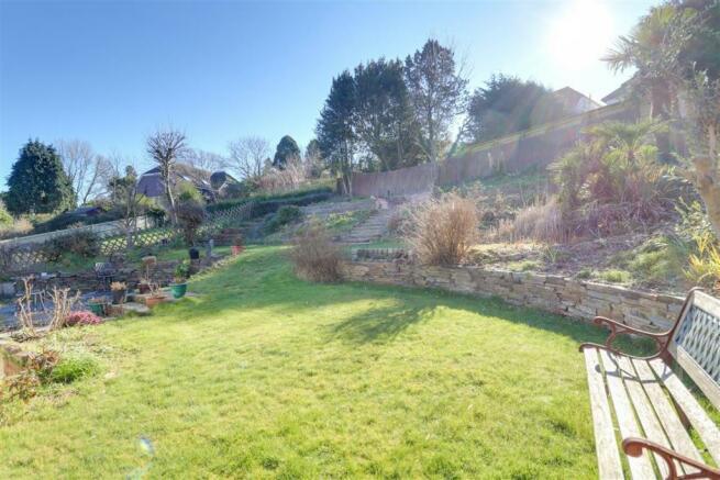 947. Garden (2).jpg