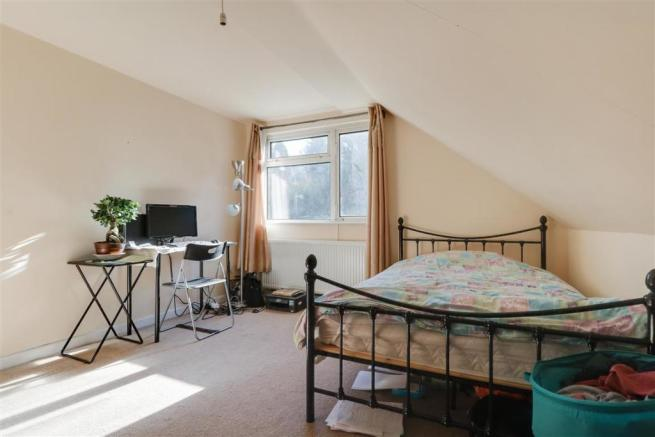 947. Bedroom 4 (2).jpg