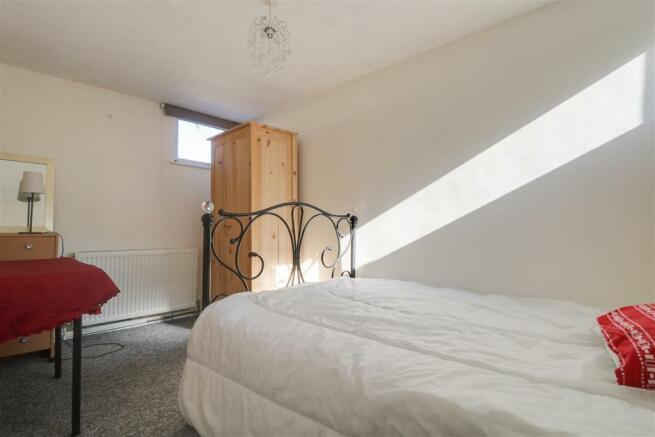 947. Bedroom 2.jpg