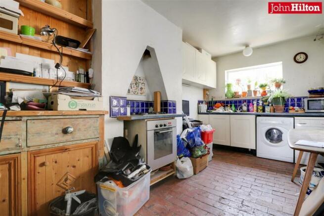 965. Kitchen.jpg