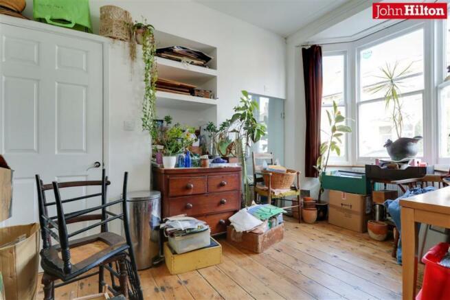 965. Living Room.jpg