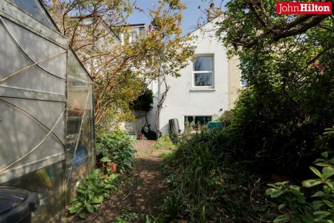 965. Garden (3).jpg