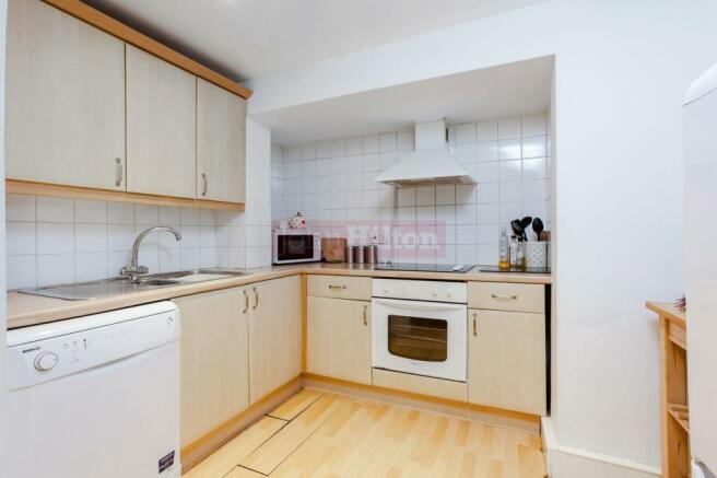 791. Kitchen.jpg