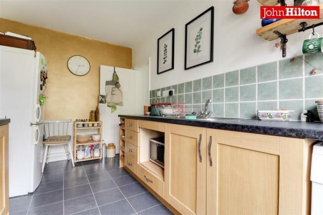974. Kitchen (3).jpg