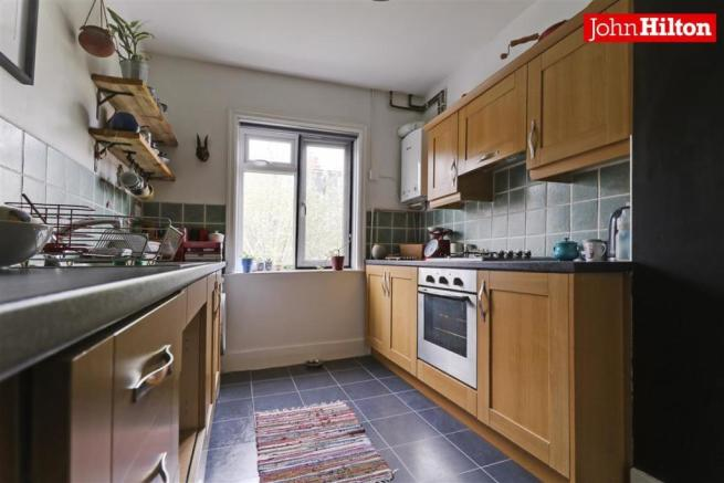974. Kitchen.jpg