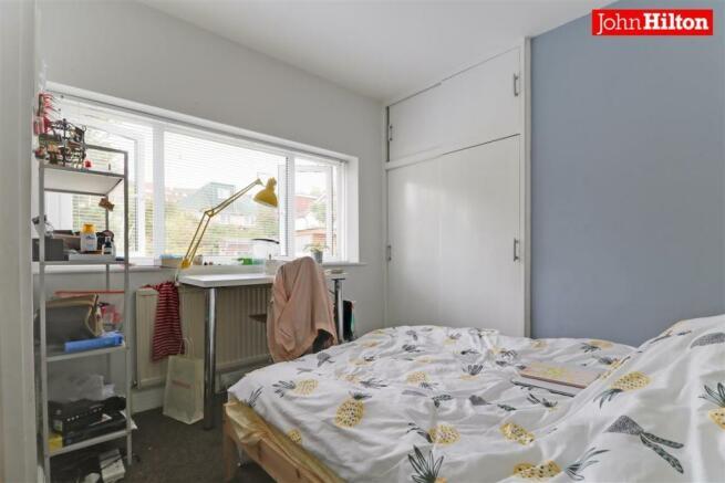 981. Bedroom 2 (2).jpg