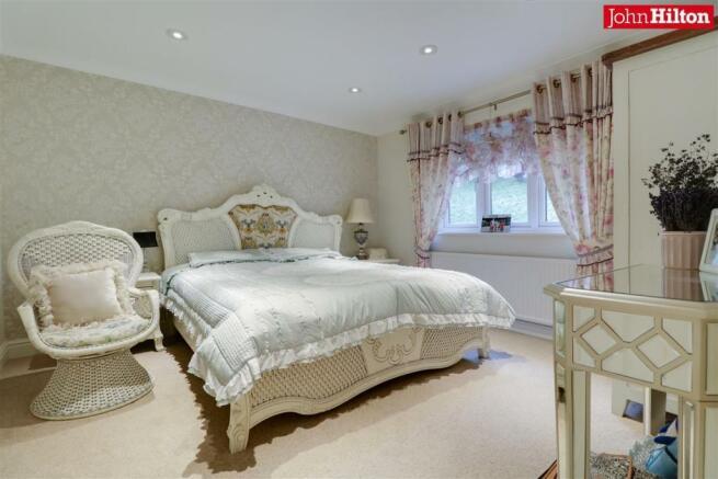 944. Bedroom a.jpg