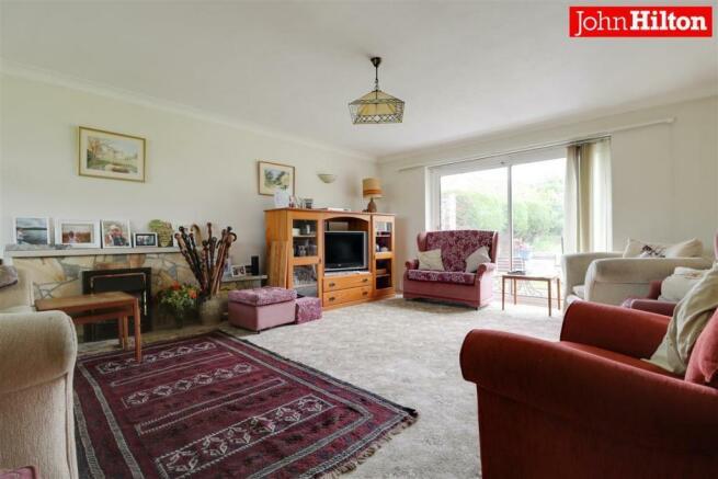 980. Living Room.jpg