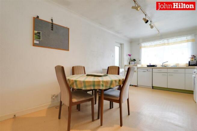 980. Kitchen.jpg