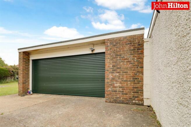 980. Garage.jpg
