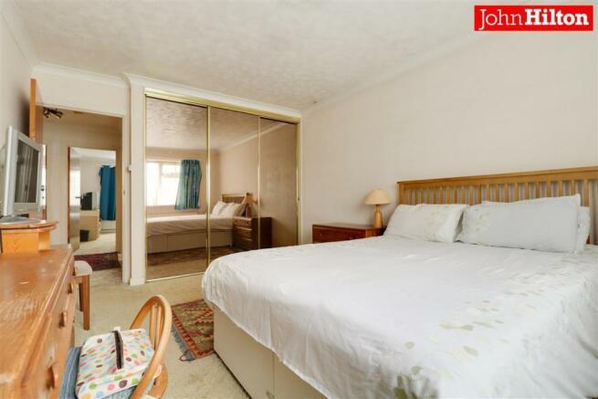 980. Bedroom 1 (4).jpg