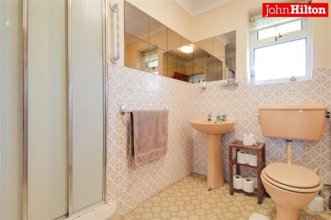 980. Shower Room.jpg