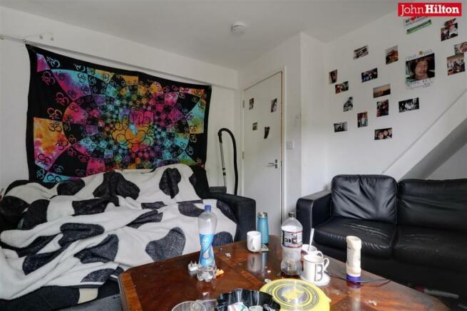 982. Living Room.jpg