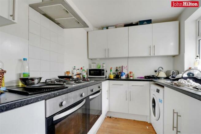 982. Kitchen.jpg