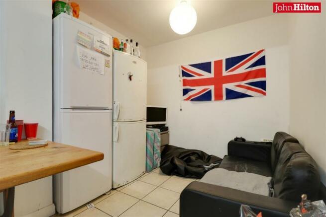 984. Living Room.jpg