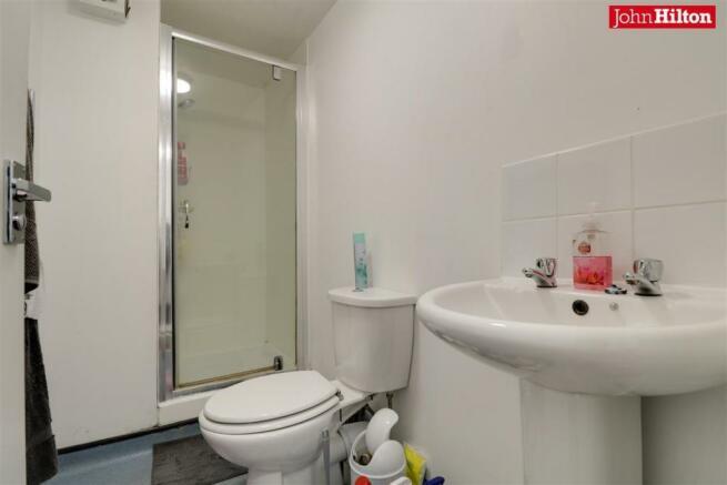 984. Shower Room (2).jpg