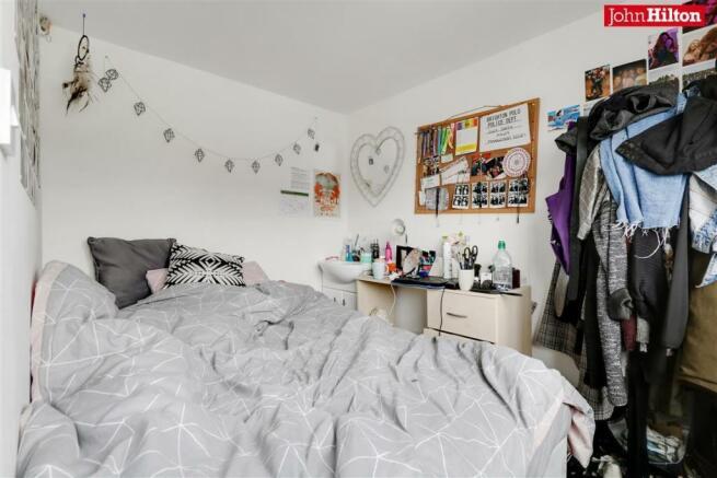 982. Bedroom 5.jpg