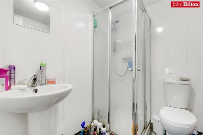 982. Shower Room.jpg