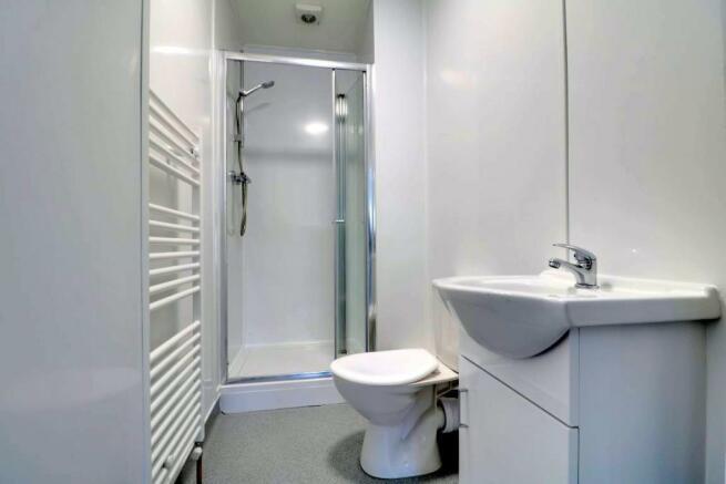 959. Shower Room.jpg