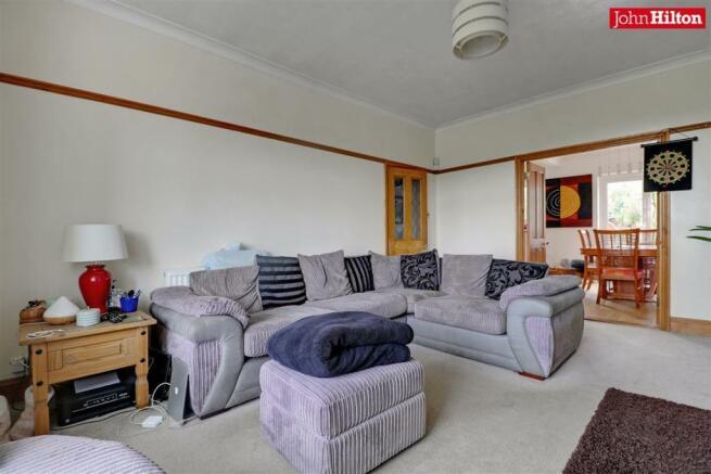 996. Living Room (2).jpg